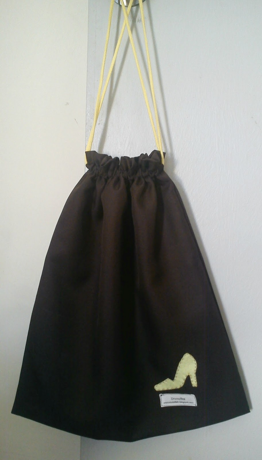 Ummuans Beg Kasut Dan Uncang Batu Untuk Jemaah Haji