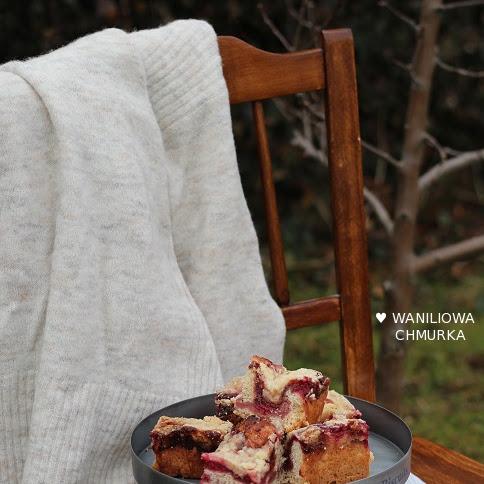 Pełnoziarniste ciasto drożdżowe z powidłami i kruszonką