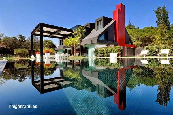 Chalet posmoderno en Madrid España