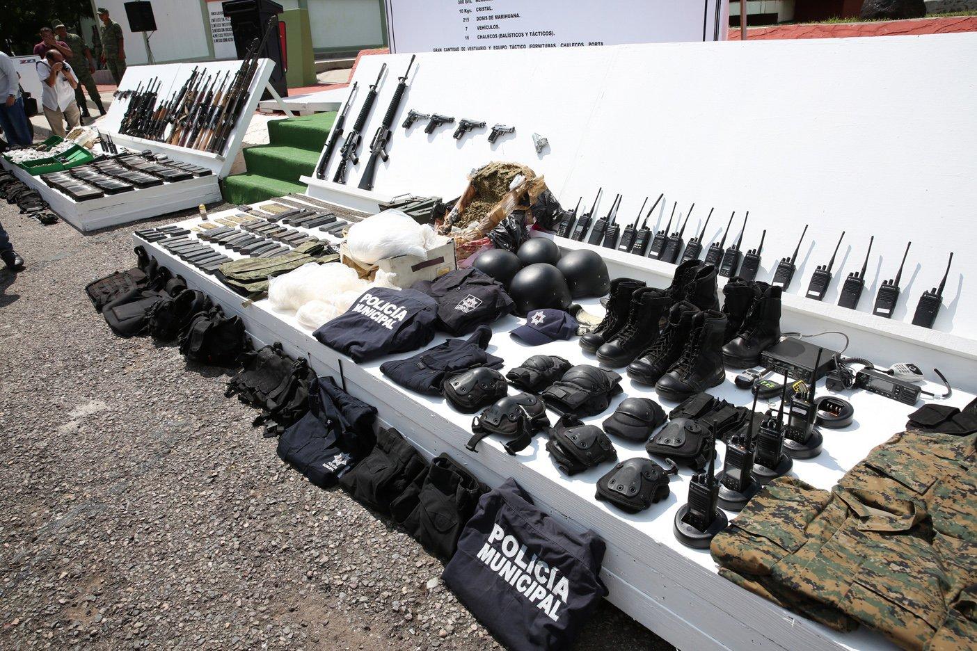 Arsenal, Vehículos y Droga lo asegurado tras emboscada en la Ciudad de Culiacán durante operativos especiales