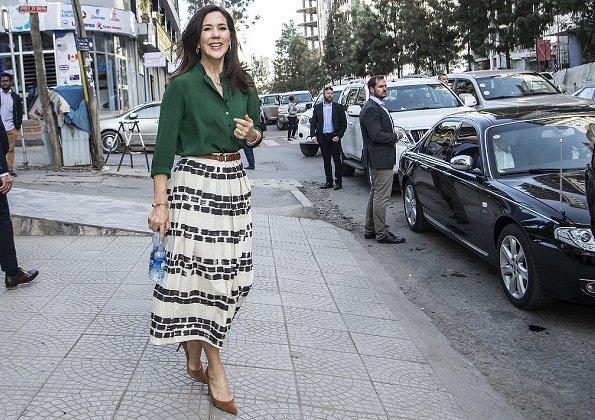 Crown Princess Mary wore max mara brushstroke print pleated skirt