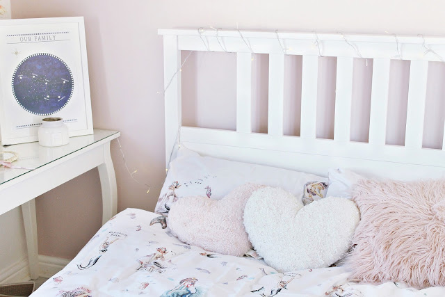 Mermaid shabby chic room and Betsy Benn review