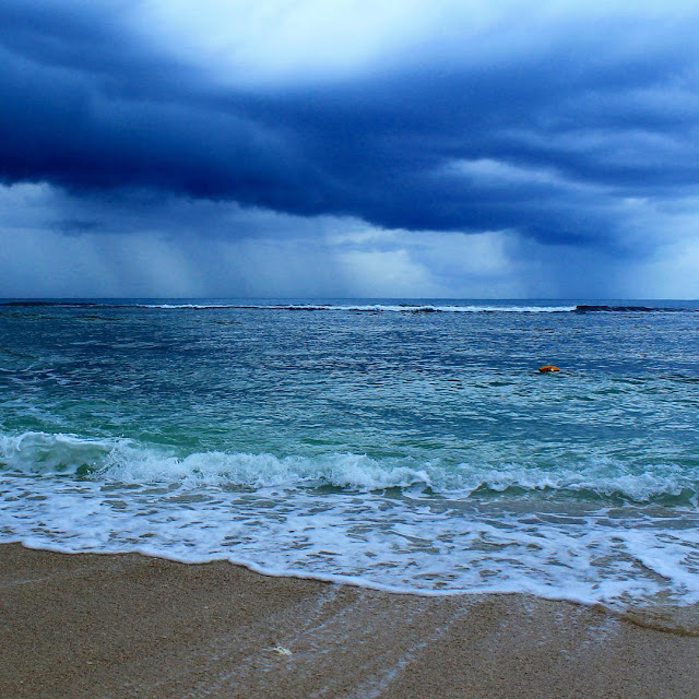foto pantai tanjung lesung banten