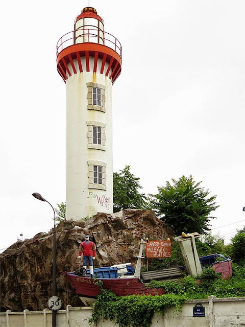 Lighthouse, fish market, Paris