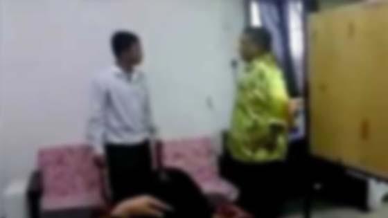 Gara-Gara Pukul Pelajar Hisap Rokok Di Sekolah, Warden Didenda RM3,000