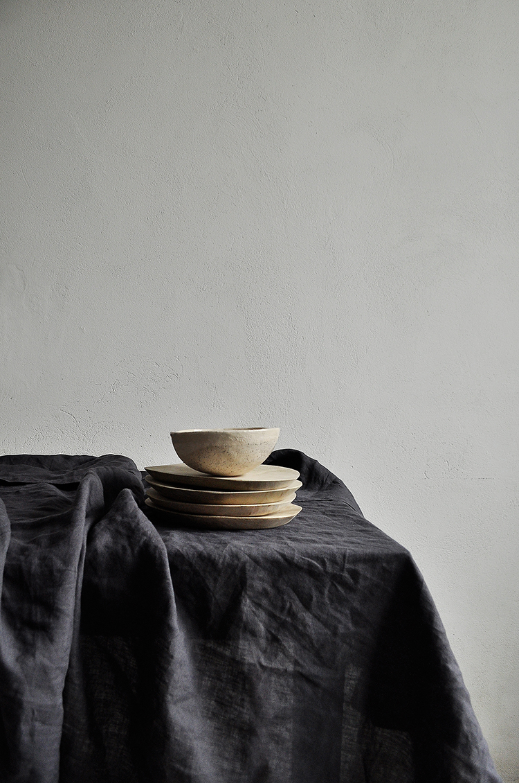 Linen tablecloth by Taftyli