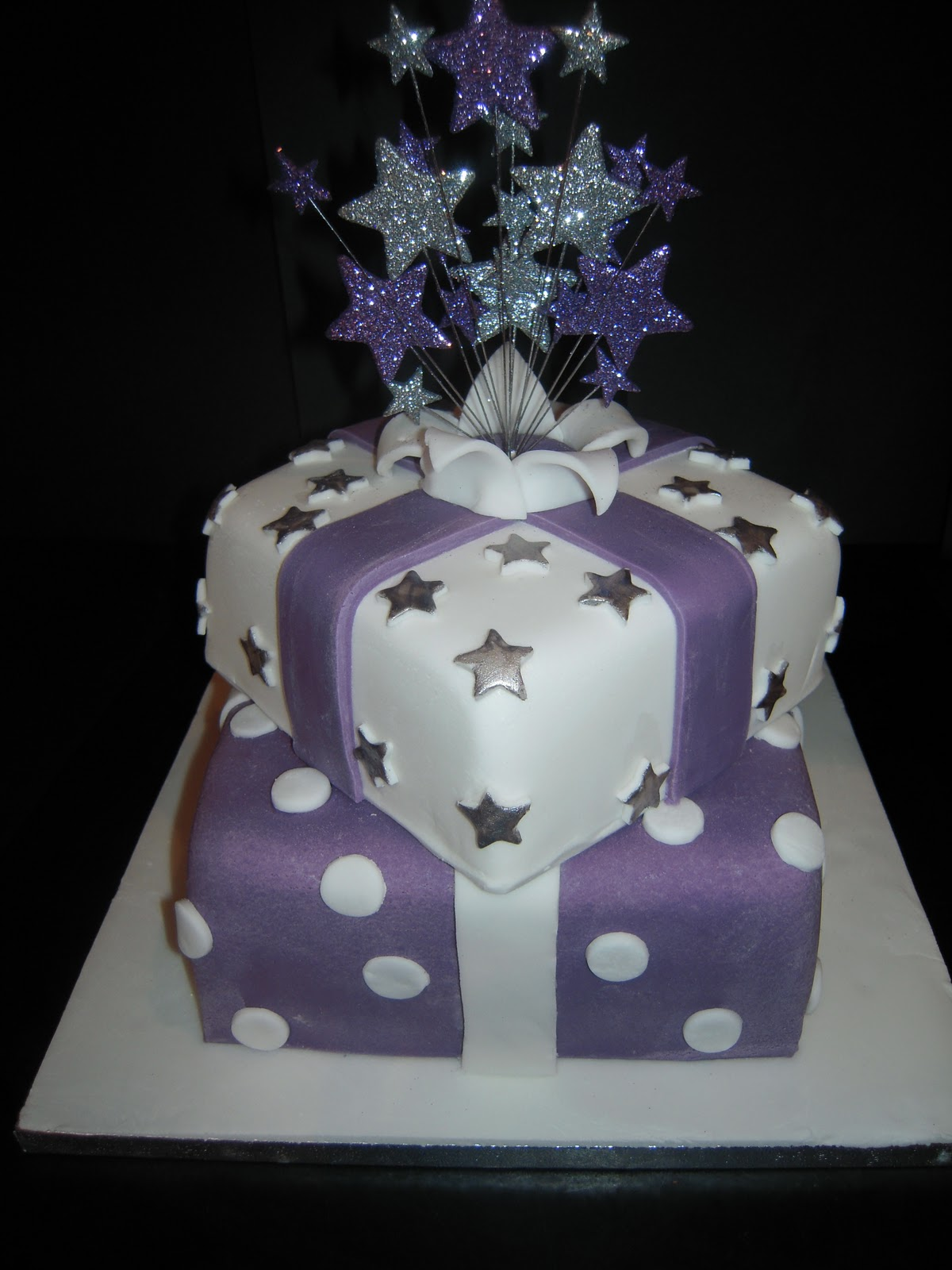 Eileen Atkinson S Celebration Cakes 60th Stacked Presents