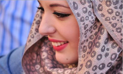 Bagaimana Menjadi Pribadi Menyenangkan dalam Islam agar Disukai Banyak Orang