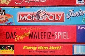 Bermain Monopoli, Bertahan dan Terus Semangat