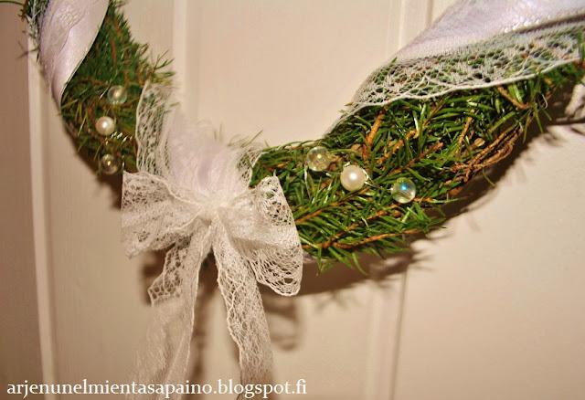 helmet, pitsinauha, kranssi, itse tehty, joulukoriste
