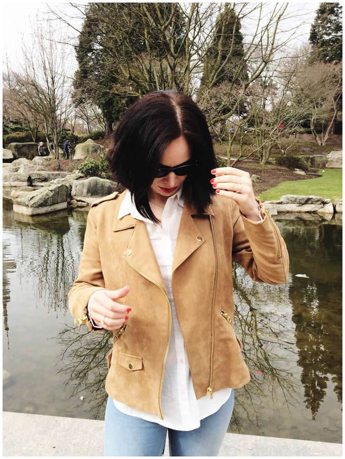 spring outfit | hm beige fake suede bikerjacket, hm white cotton blouse, hm blue treggings | more details on my blog http://junegold.blogspot.de | life & style diary from hamburg | #fashion #outfit #spring #springoutfit #hm #beige #white #blue #red