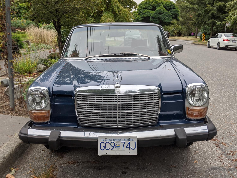 1975 Mercedes Benz 240D 04