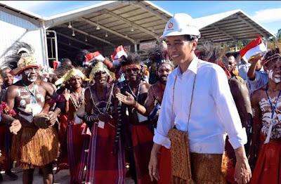 Presiden Jokowi dan Iriana Blusukan di Tanah Papua