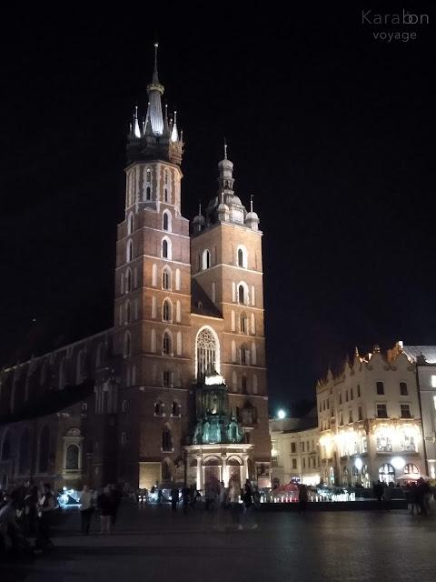 Kościół Mariacki | Bazylika Mariacka | Kraków | noc | Rynek w Krakowie | Karabon voyage