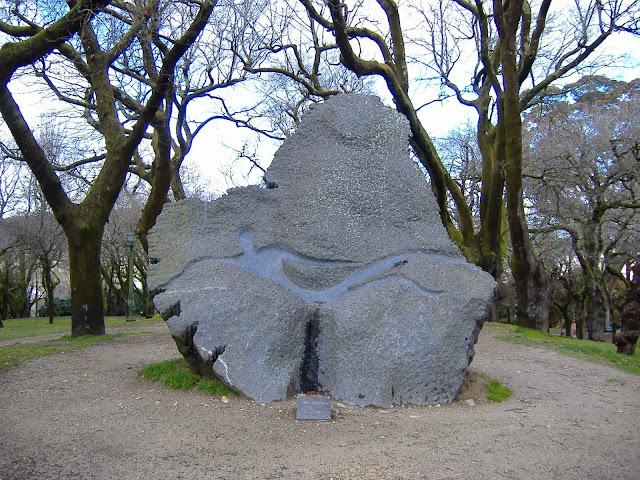 Resultado de imagen de monumento a Daniel Rodríguez Castelao DE LA ALAMEDA DE SANTIAGO DE COMPOSTELA