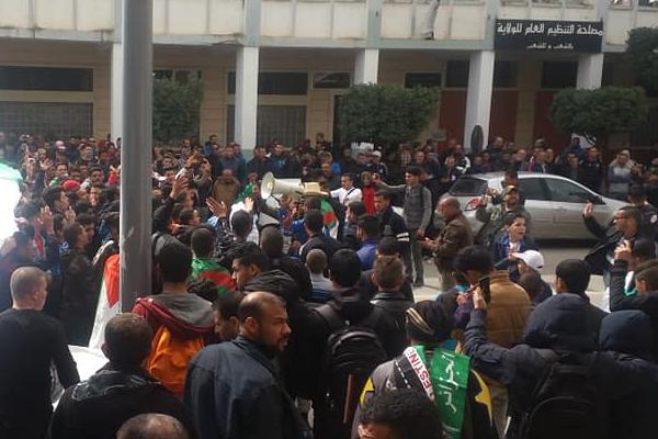 الحراك الشعبي متواصل في الشلف