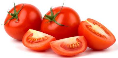 kulit muka putih cara alami menggunakan tomat