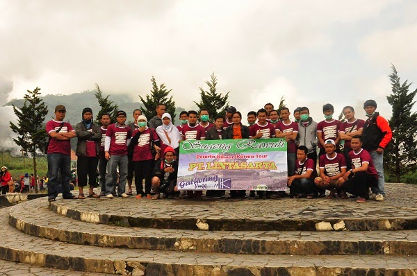 peserta dieng tour