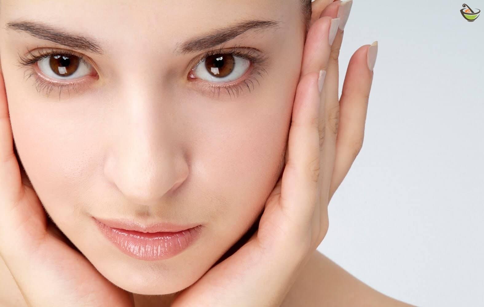 b5bd52cbff754 أفضل خلطات لتفتيح لون البشرة وتبييض الوجه بشكل سريع وفعال وهي تحتوي على  مكونات طبيعي سهل