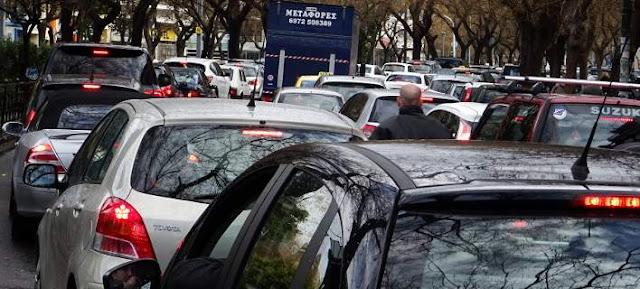 Ήγουμενίτσα: Η Ηγουμενίτσα έχει πάθει κυκλοφοριακή ανακοπή και η εξεύρεση θέσης πάρκινγκ είναι δύσκολη