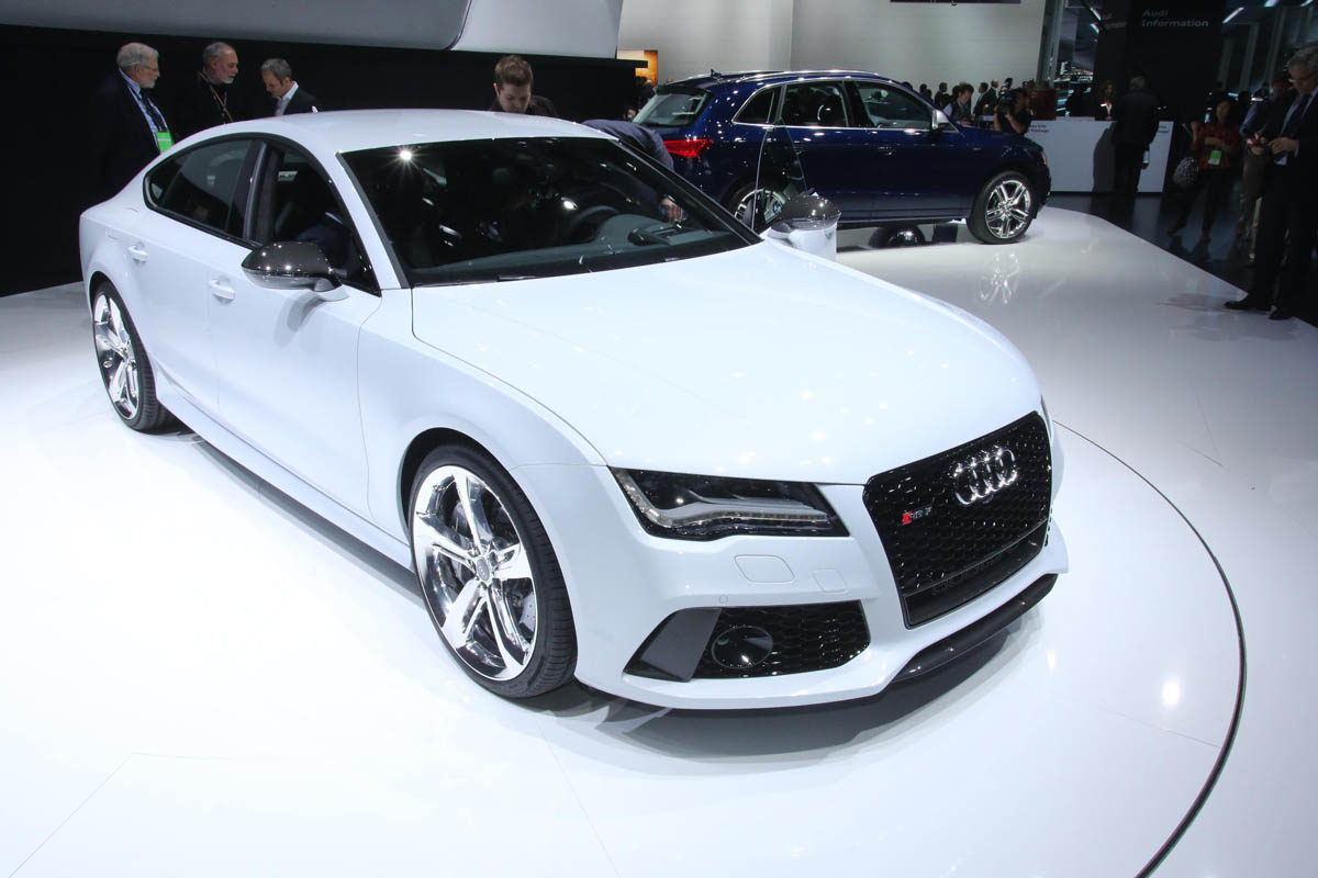 World Of Cars Audi Rs7 Hd Wallpaper Free Download 2017 Sportback With A Red Colour