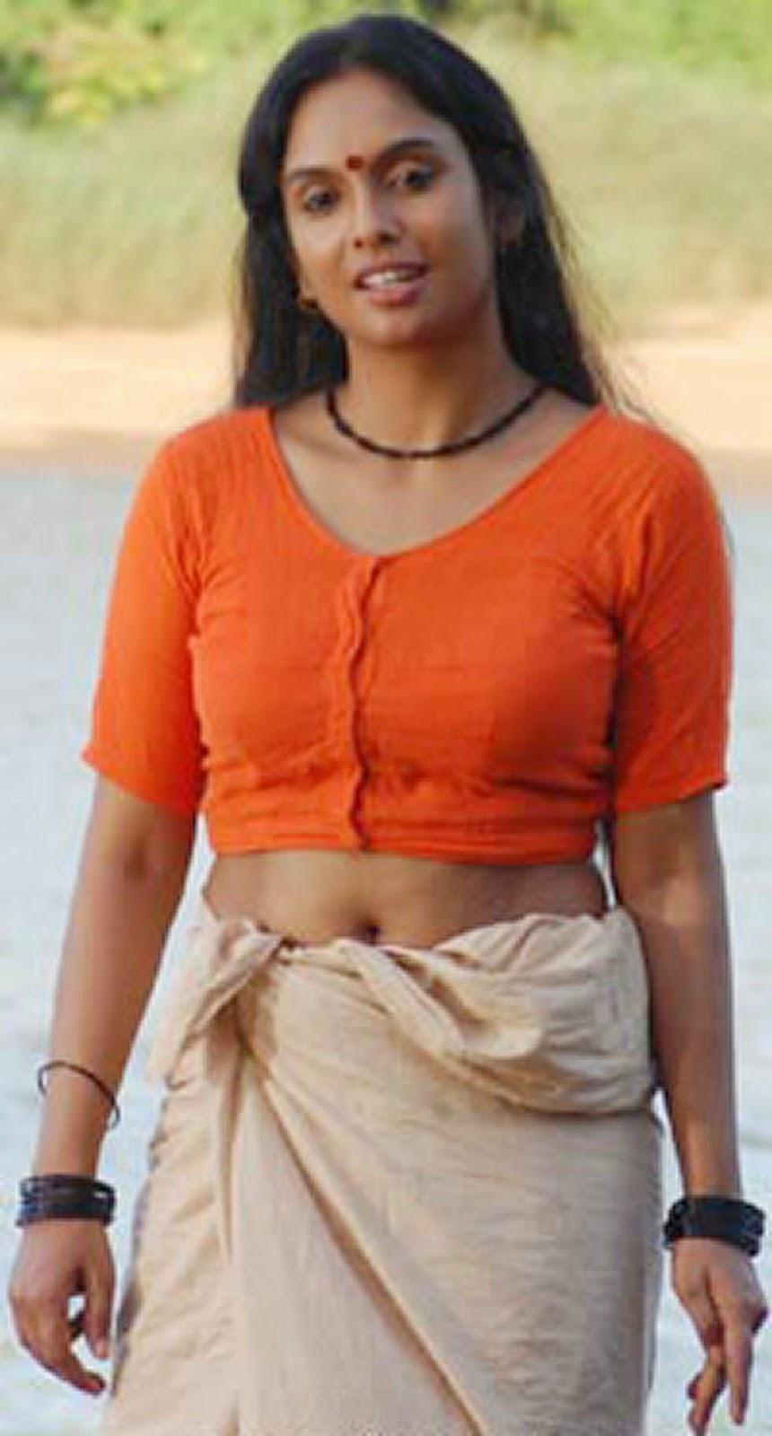 Malayalam Aunty Hot Navel Boobs Photos - Wallpapers Free-1326
