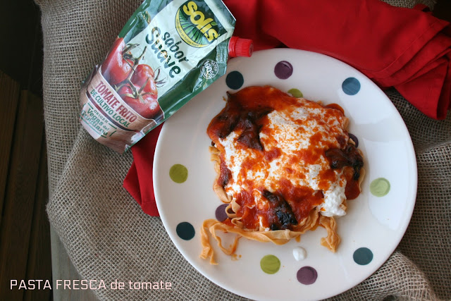 pasta fresca, tomate, burrata