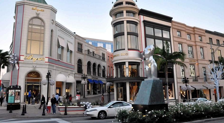 3179bb457b5 Restaurantes na rua Rodeo Drive em Los Angeles