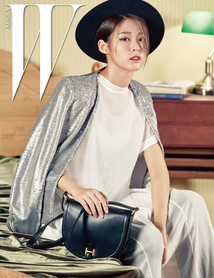 Jadi Model Majalah Fashion W Korea Anggunnya Seolhyun AOA