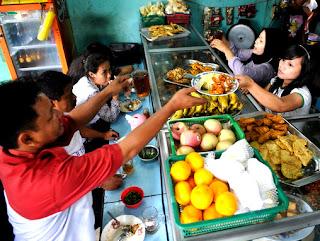 Hukum Berjualan Makanan di Bulan Puasa