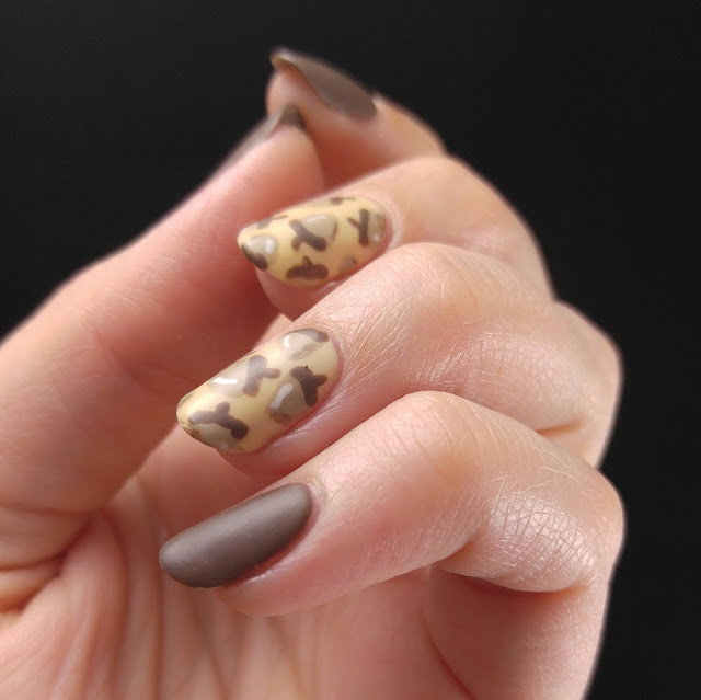Acorn fall Thanksgiving nail art