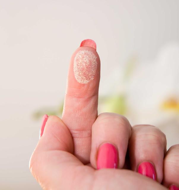 syreni pyłek na paznokciach jak wygląda wersja Gold Provocater
