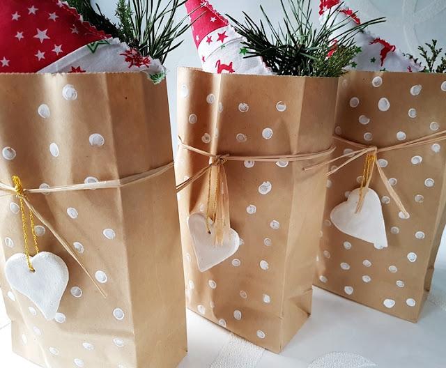 Papiertüten basteln zu Weihnachten