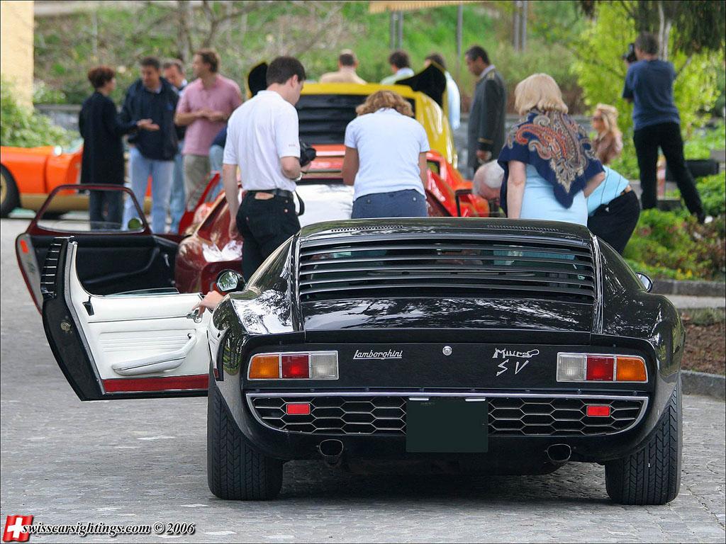 Luxury Lamborghini Cars: Lamborghini Miura Black