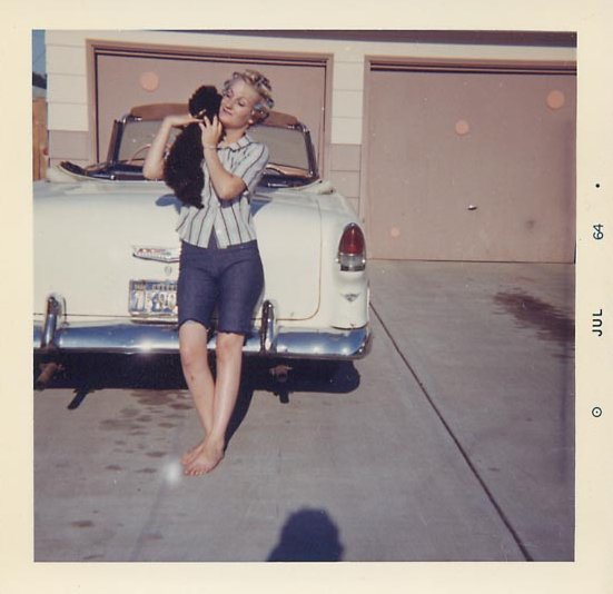 35 Vintage Snapshots Of People Posing With Their Classic Convertible Cars From Between The 1950s