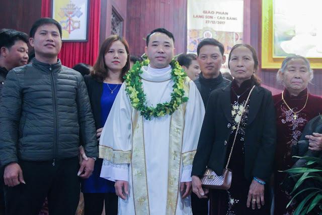 Lễ truyền chức Phó tế và Linh mục tại Giáo phận Lạng Sơn Cao Bằng 27.12.2017 - Ảnh minh hoạ 208