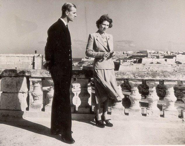 princess elizabeth and prince philip in malta 1949 queen elizabeth    Queen Elizabeth Siblings