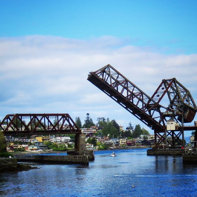How to Spend a Perfect Sunday in Seattle - Open Railroad Bridge at Ballard Locks