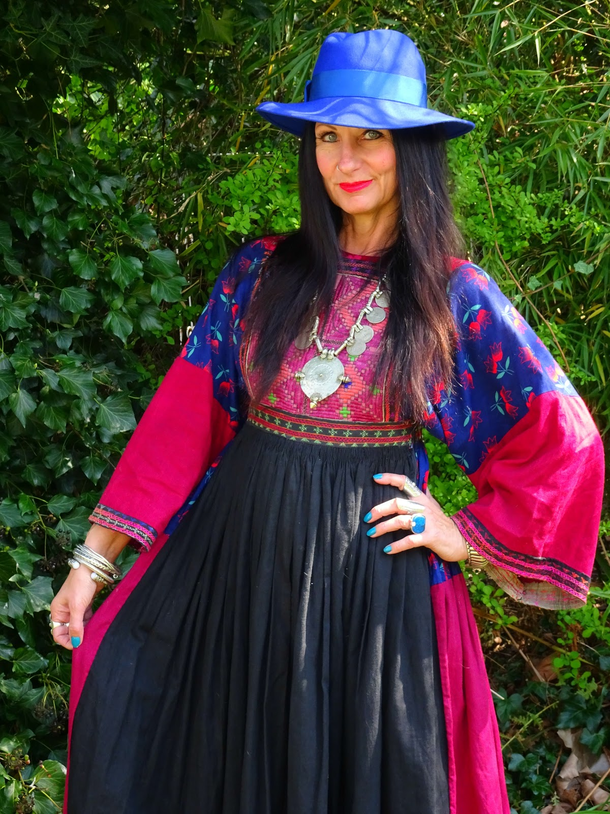 22325735a1 Just like last week when I found that velvet cloak which perfectly  complimented the embroidered Indian maxi dress I was already wearing, today  I've found ...