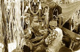 Upacara-Adat-Istiadat-dan-Sistem-Kepercayaan-Kalimantan-Barat