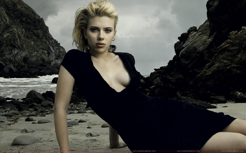 Scarlett johansson actress wallpapers fun hungama - Scarlett johansson blogspot ...