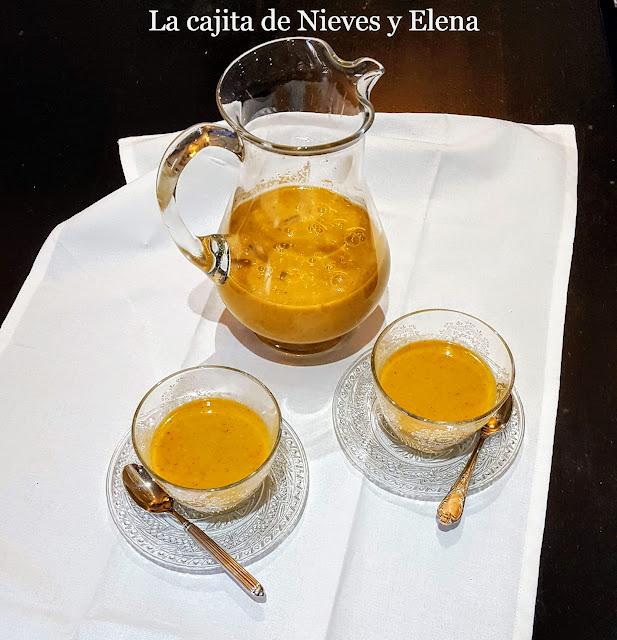 Sopa fría de pepino y especias