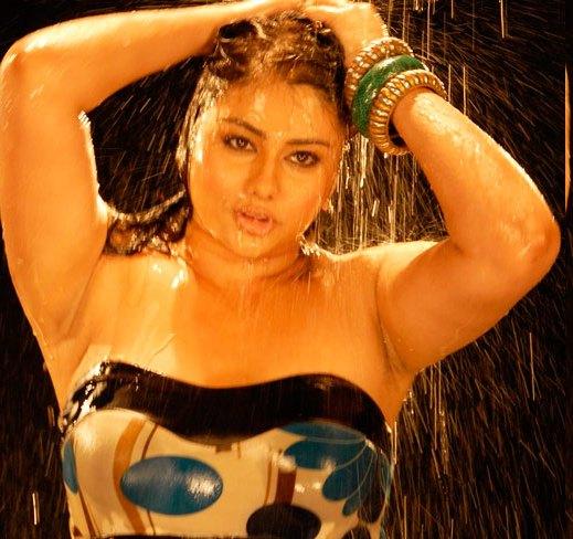 Indian Hot Actress Actress Namitha Wet Armpits Show - H-6720