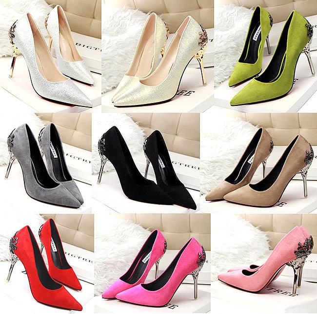 High heels cantik semua, cuma warnanya yang berbeda-beda