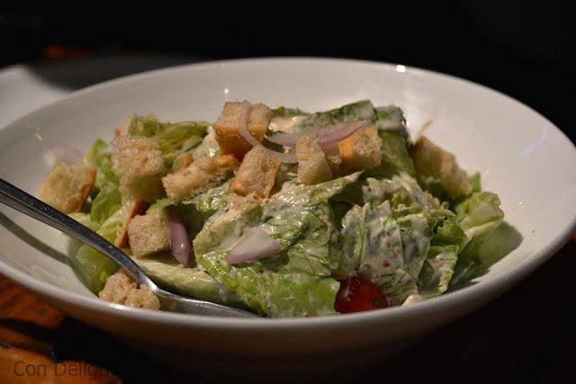 סלט קיסר caesar salad