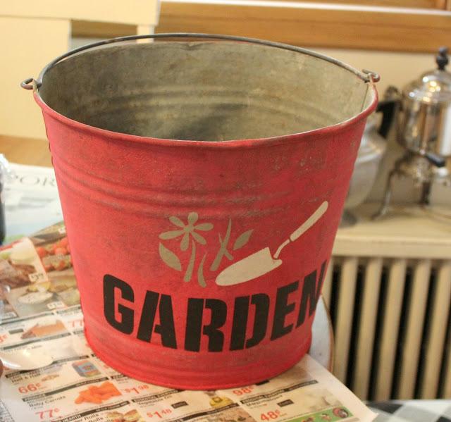 Paint & Stencil Your Garden Decor #oldsignstencils #galvanizedbucket #galvanized #milkpaint #stencil #containergarden #junkgarden