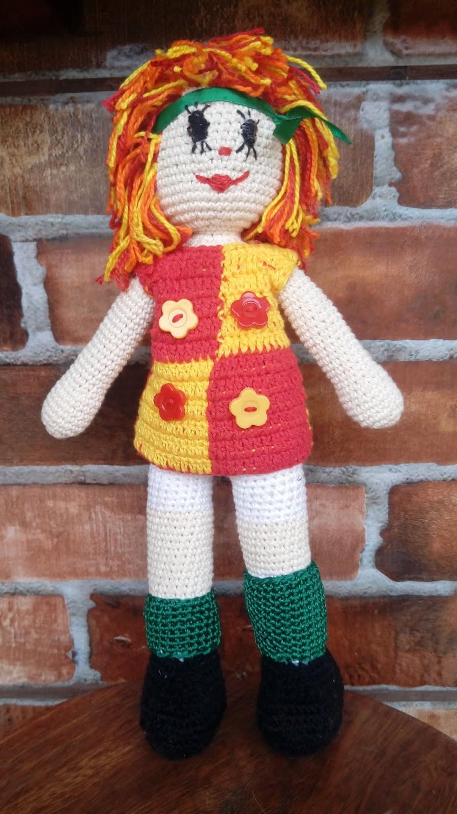 Boneca Emília Retrô (Amigurumi) no Elo7 | Nirlei Artesanatos (CAC57E) | 1600x898