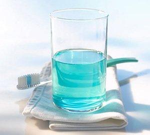 Jaga Kebersihan Mulut dengan Obat Kumur