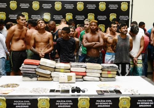 É mole ou quer mais? Forças de segurança prendem 82 pessoas e apreende 11 adolescentes durante Operação Pilar, em Manaus
