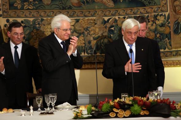 Βίντεο με την προσφώνηση του Π.τ.Δ. Προκόπη Παυλόπουλου και την αντιφώνηση του Σέρτζιο Ματαρέλα στο επίσημο γεύμα στο Προεδρικό Μέγαρο....